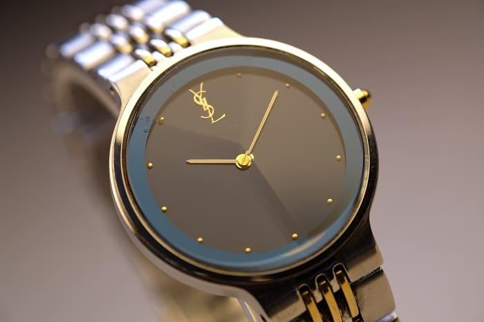 ジャンクで購入した時計の写真