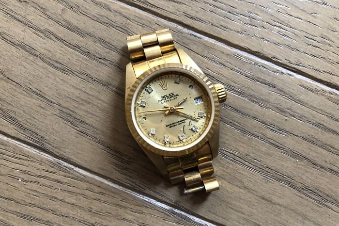 大量ジャンク時計に混じっていた時計の写真 その2